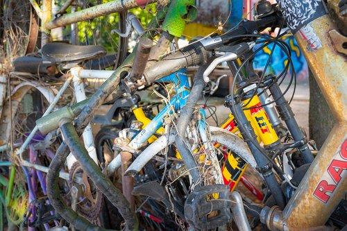 bicycles  scrap  rust