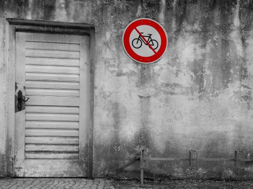 bicycles forbidden forbidden sign