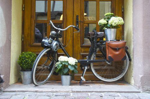 bike old house entrance