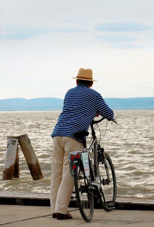 bike wanderlust longing