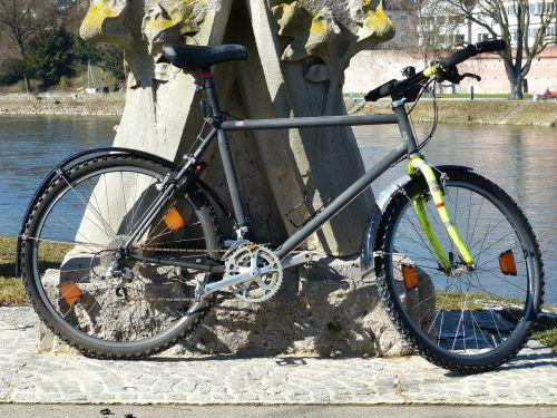 bike mountain bike lean on