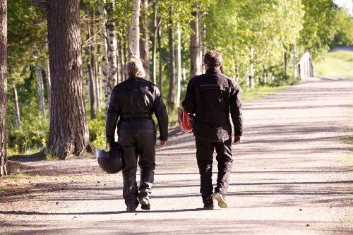bikers promenade nature