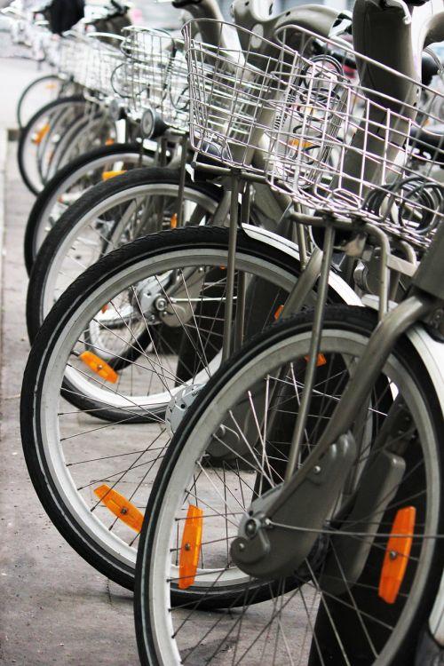 bikes wheels baskets