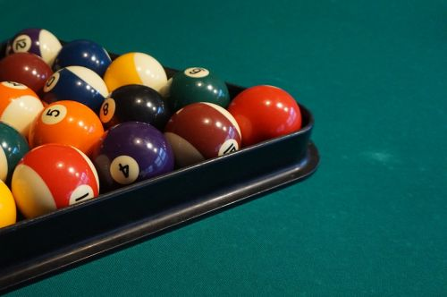 billiards balls play