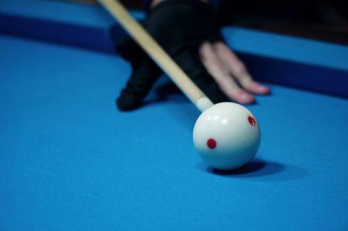 billiards kick off white