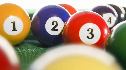 biliardas,biliardo kamuolys,snukerio kamuoliai,žaidimas,karamelinis kamuolys