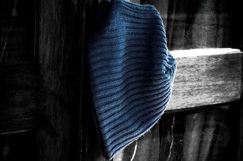 bin hat blue