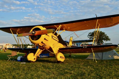 biplane aviation plane