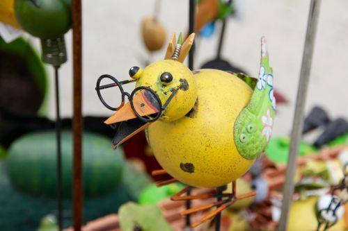 bird figurine decoration garden