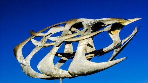birds sculpture synthesis