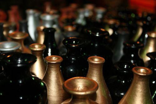 black gold pots