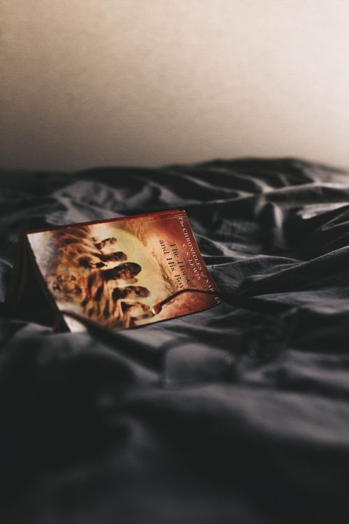 black bed sheet
