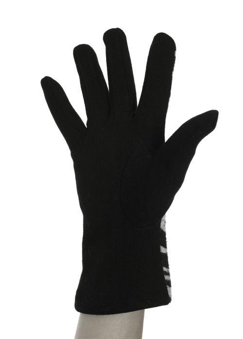 black glove el