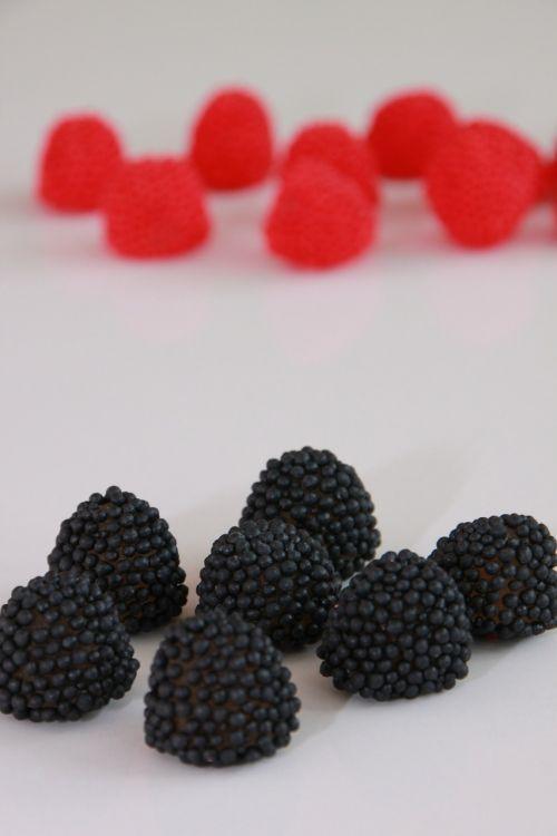 juoda,gervuogės,saldainiai,chewy,aromatizuotas,vaisiai,želė,avietės,raudona,maistas,gerti