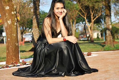 black dress smile prom dress