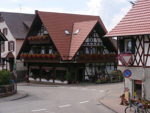 Juodasis miškas,fachwerkhaus,namai,kelio kreivė