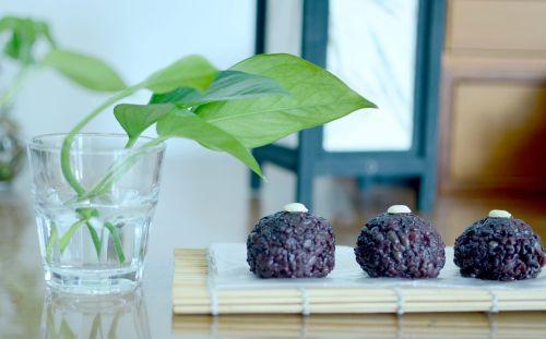 black glutinous rice mid-autumn festival gourmet