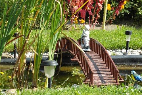 blackjack  bridge  garden