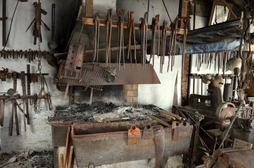 blacksmith forge anvil