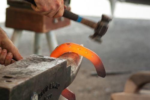 blacksmith anvil hammer