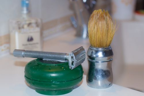 blade shaving foam brush