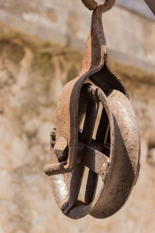 block and tackle metal iron