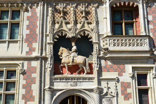 blois louis xii equestrian statue