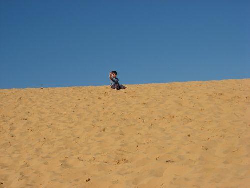 child desert goodbye
