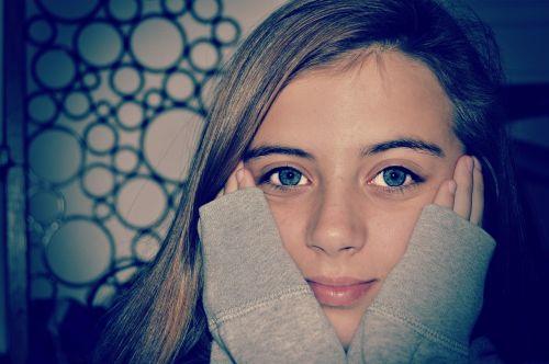 blue eyes girl portrait