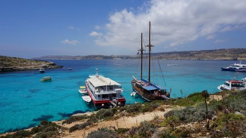 blue lagoon comino island malta