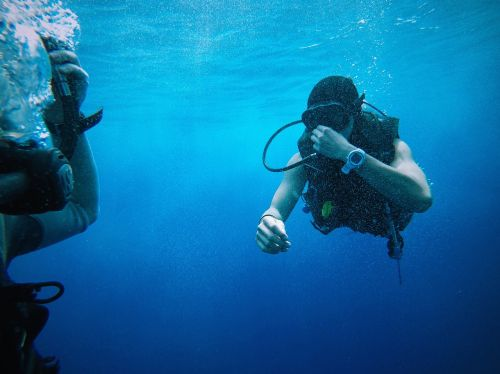 blue water divers equipments