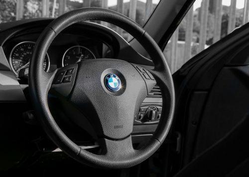 bmw steering wheel travel