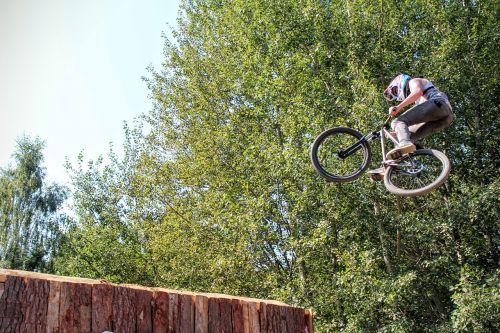 bmx fly jump