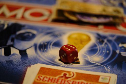 board game play gesellschaftsspiel