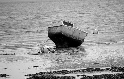 boat sea tide