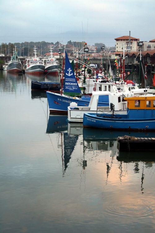 boat fishing port st jean de luz