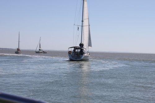 boat estuary gironde