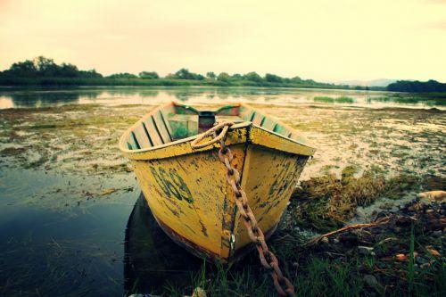 boat leak water
