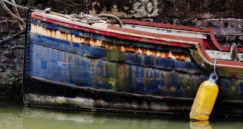 boat rust old