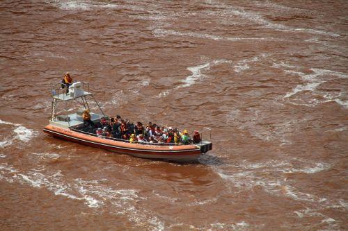 boat iguazú falls argentina