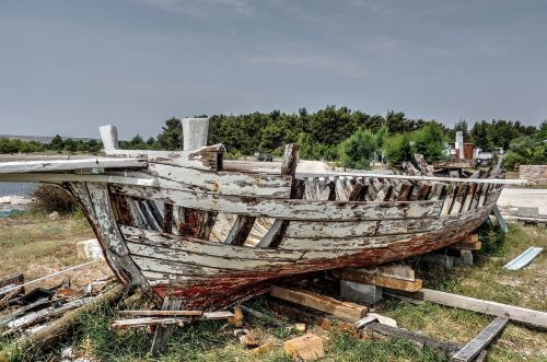 boat old wreck