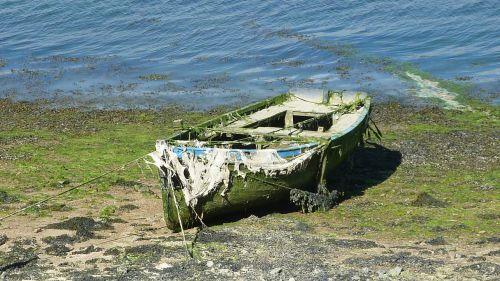 boat brittany sea