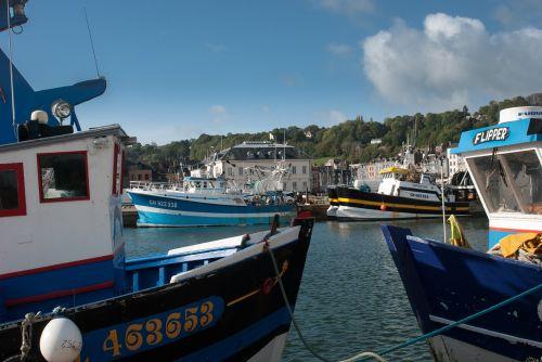 boat honfleur blue