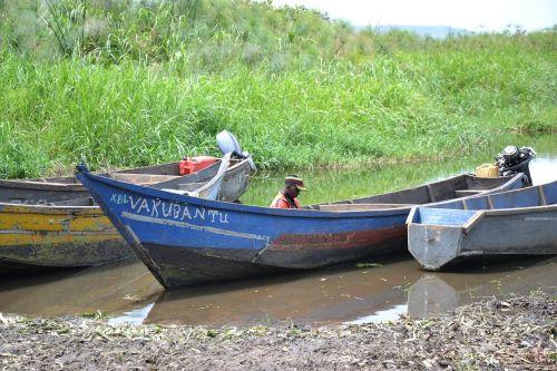 boat uganda lake