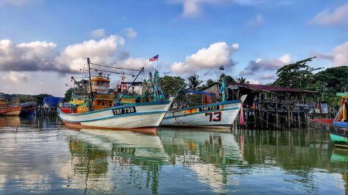 boat river fishermen
