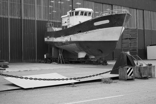 boat trawler shipyard