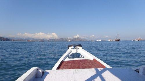 boat  harbour  labuan bajo