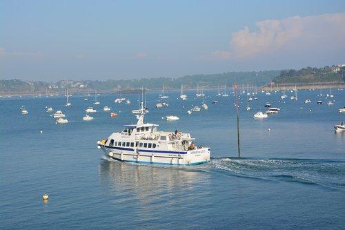 boat  shuttle  cruise
