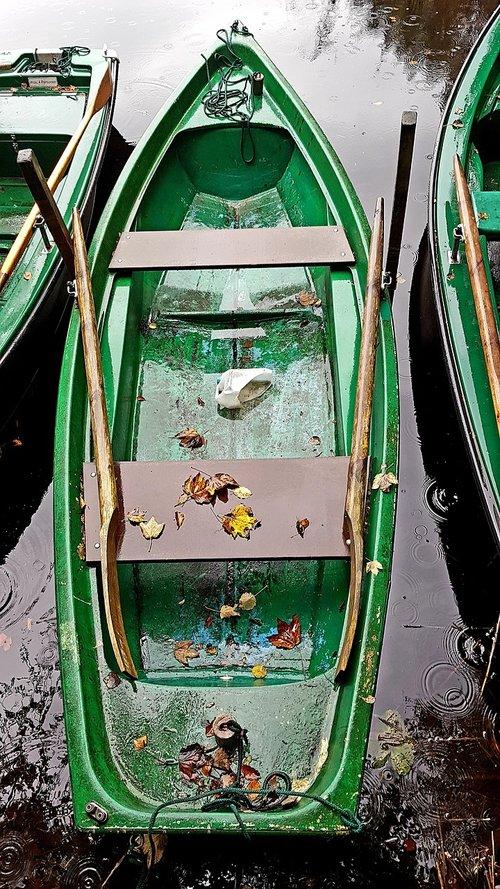 boat  green  helm