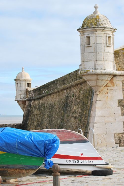 boat castle portugal